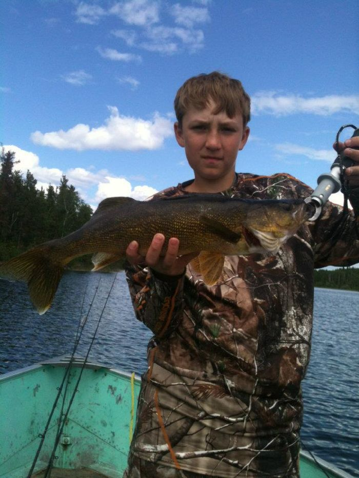 Canadian walleye camps for Fish weight calculator